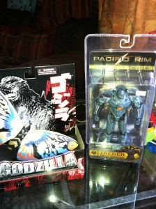 Gipsy Danger & Mothra action figures